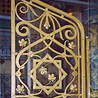 Кованая двустворчатая дверь